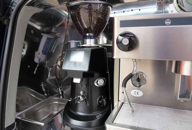 кофемолка в кофейню