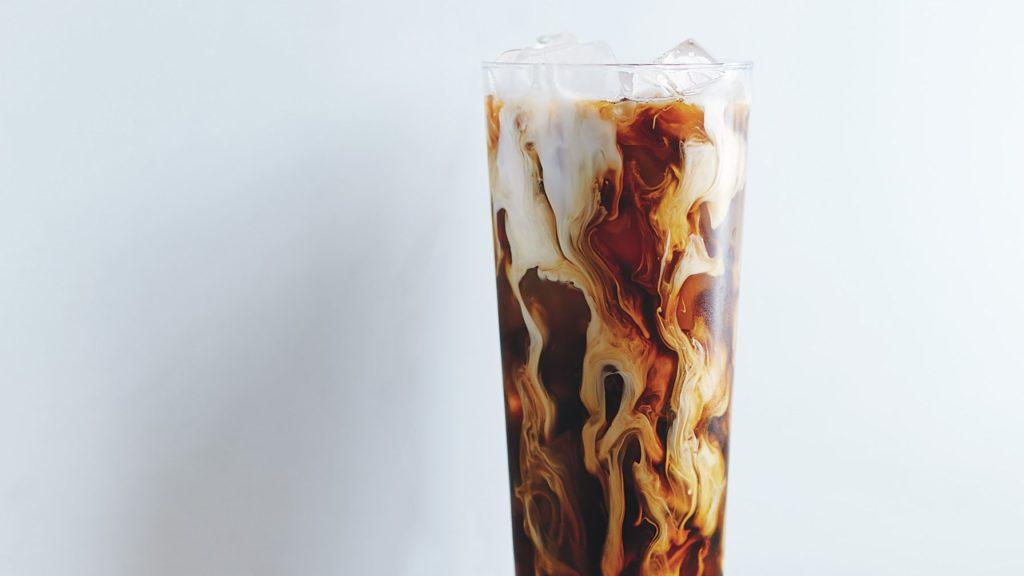 Вьетнамский ледяной кофе с молоком
